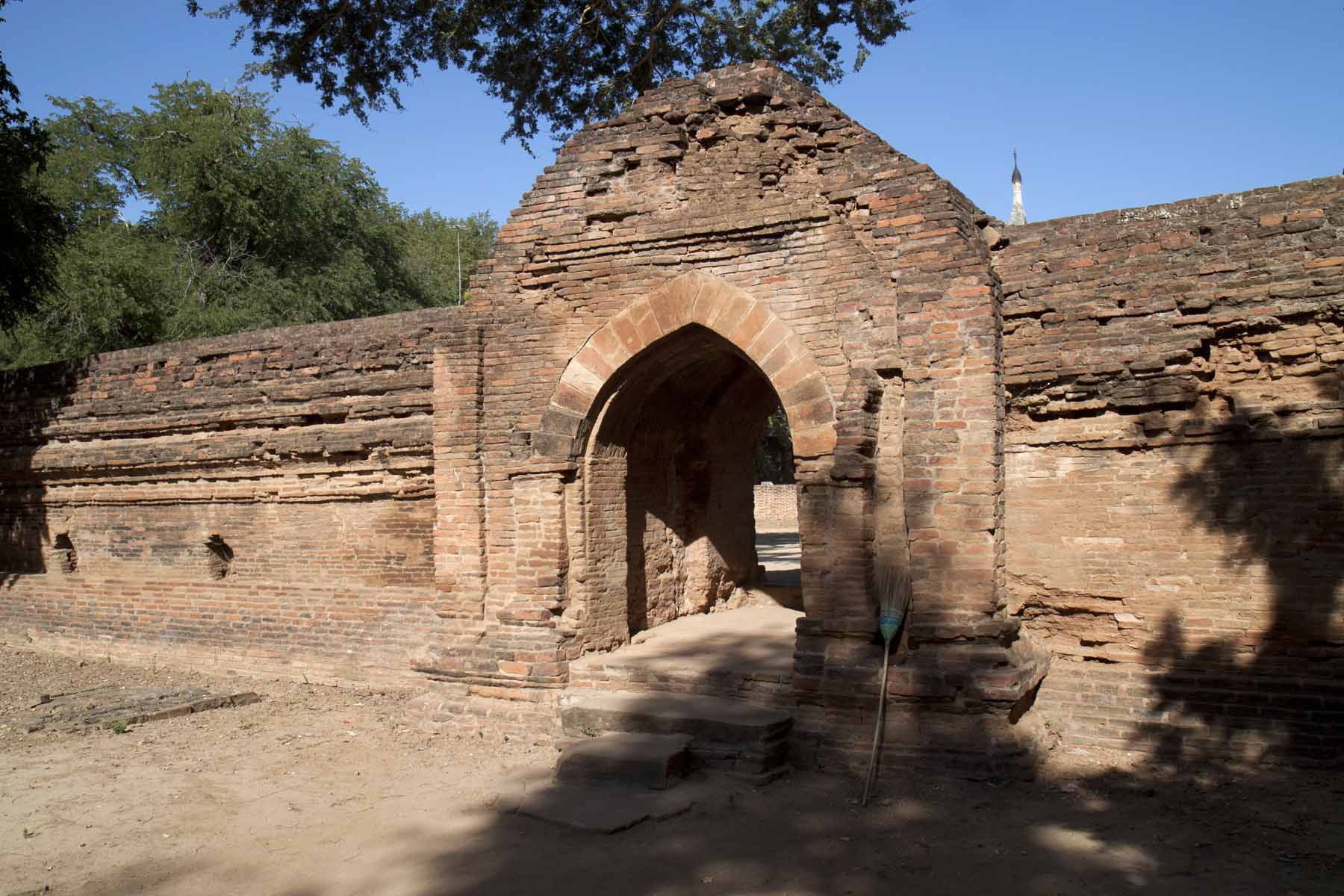 Gated entrance to Kyansittha Umin
