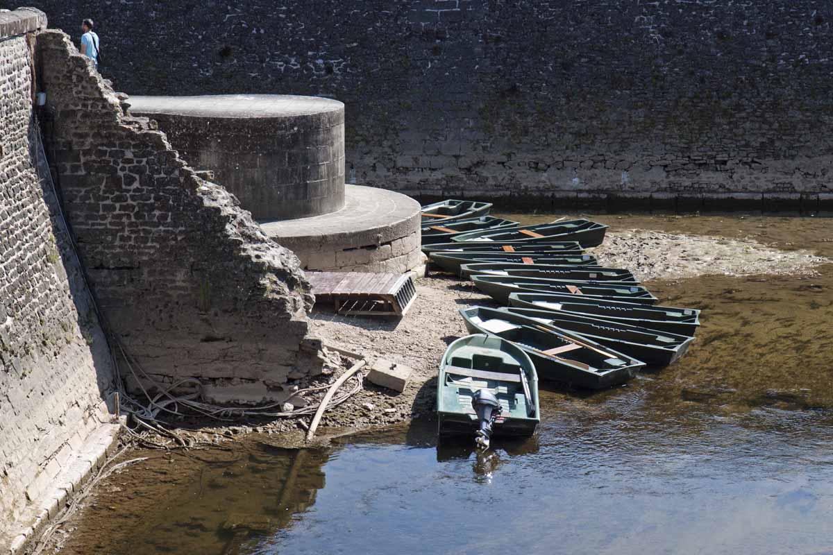 Row boats at Château de Chenonceau