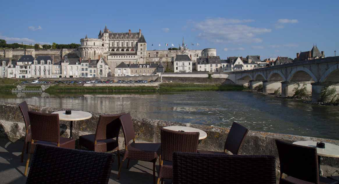 Our now familiar view of Château d'Amboise from Le Shaker bar