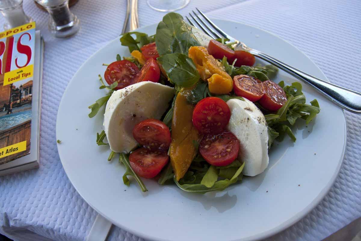Caprese salad at Les Deux Abeilles