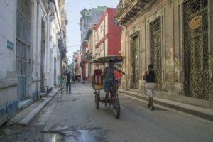 Morning bici taxi, Havana, Cuba